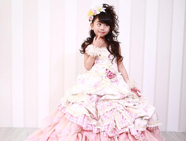 スタジオアミの写真_ドレスの女の子